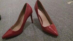 Red Patent heels / Souliers rouges cuir verni 8.5