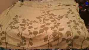 EUC 3 PC King Sage Green and Taupe Duvet Cover and Pillow shams