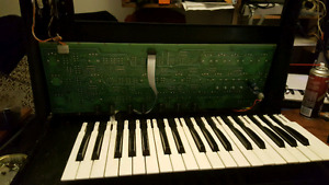 Looking for broken analog synths and electric pianos