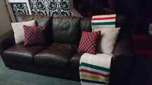Brown leather couch London Ontario image 1
