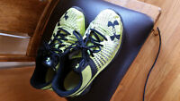 UNDER ARMOUR RUNNING SHOES-SIZE 8.5