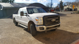 2011 Ford xL F-250/ 4x4 LOW kms!!