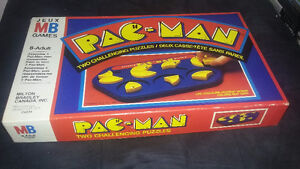 1982 pac-man puzzle (missing 2 peices)