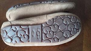 Warm Leather Slippers - for sale ! Kitchener / Waterloo Kitchener Area image 3