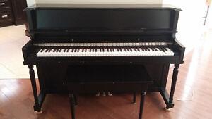 Piano shumann noir