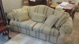 Couch Camel back