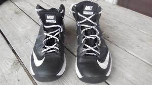 Chaussure basketball NIKE 7us