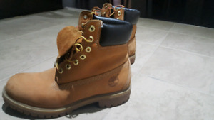 Size 8 Wheat Timberland Boots for Sale! $40 or your best offer!