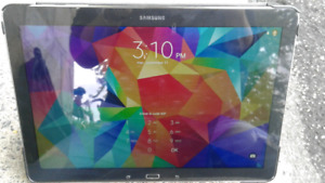 Comme neuf... 10.5  pouces d'écran, Tablette Android Samsung S8