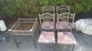 Ensemble table et 4 chaises
