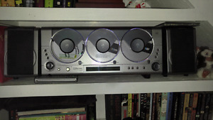 Emerson 3 cd player/radio/aux