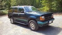 1993 Ford Explorer Limited SUV,