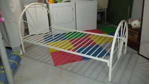 Almost Mint cond. Metal single bed Frame...need gone asap !!!