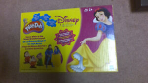 Snow White & the Seven Dwarfs  Play-Doh Playset