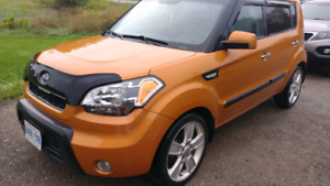 2011 soul with sunroof/blutooth