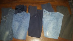 Maternity clothes (small. Size 4-5)