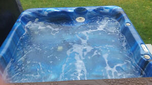 Aruba hot tub for sale! Works great! St. John's Newfoundland image 4