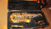 Selmer student model alto saxophone with hard case