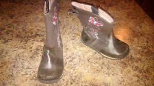 Girls Osh Kosh Boots- Size 7