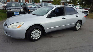 2003 Honda Accord automatique pneus dhiver 3000$