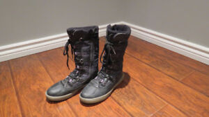 Size 5 Geox Winter Boots