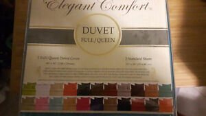 Queen duvet cover and pillow cases. Egyptian cotton