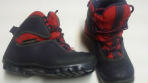 kids' approx size 12 nnn boot and ski