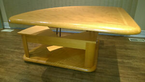 Oak Wedge Lift Cocktail / Coffee Table Kawartha Lakes Peterborough Area image 6