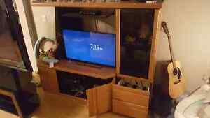 Solid oak wall unit 50 OBO priced to sell fast!! Strathcona County Edmonton Area image 2