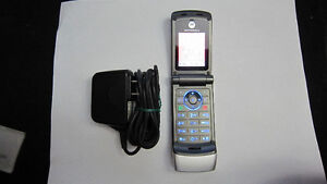 Motorola W370 cellphone Rogers ChatR