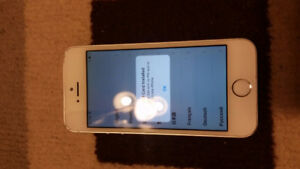 iPhone 5S in White Locked to Sasktel & IN GOOD CONDITION