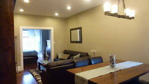 Bordering Queen's Campus- 2 Bedroom- Renovated, BARRIE Street Kingston Kingston Area image 2
