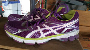 Like new size 10 purple ASICS running shoes