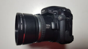 Fuji FinePix S5100 Camera for parts.