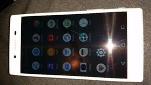 SONY XPERIA Z5 32GB UNLOCKED GOOD CONDITION WITH CHARGER 514-679