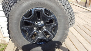 2016 Jeep Willy's Unlimited set of 5 original tires and wheels