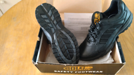 Sole Mate Safety footwear trainers, size 11 NEW