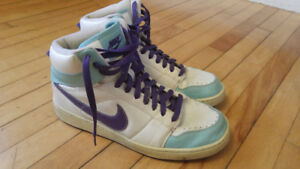 Nike Dunk High Top Sneakers (Size 9.5)