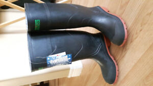 Hot and cold water dispenser and 2 pair o steel toe rubber boots
