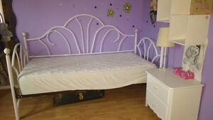 Single bed, mattress, night side table, shelf and lamp West Island Greater Montréal image 2