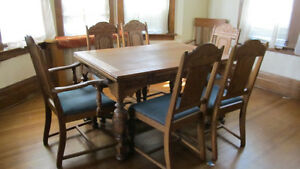 Pristine Antique Oak Dining Suite