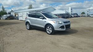 2013 Ford Escape SE AWD - 62,500 KMS!!
