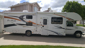 2012 32' Four Winds Bunkhouse Motorhome