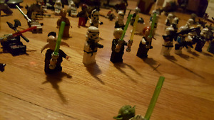 Star wars collectible lego figurines