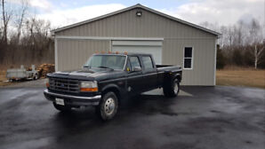 1996 Ford F-350 XLT Dually! 5 Speed Manual! Only 195,900 KM!