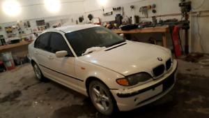 2002 BMW 325xi parts car