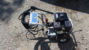 3000 psi gas power washer $250 OBO
