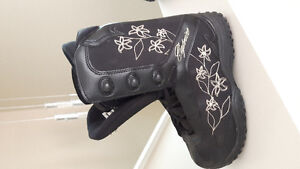 Snowboards, boots, bindings