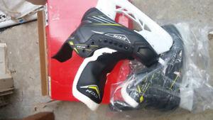 CCM Tacks Jr. Hockey skates sizes 4 & 5 (Brand NEW in box)