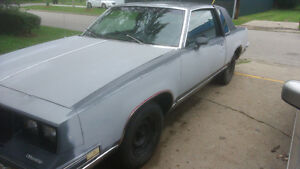 1984 OLDS CUTLASS SUPREME--60000 ORIG KMS V6 AUTO TRANS